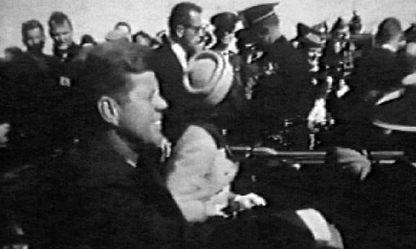 Тръмп разсекретява хиляди документи за убийството на Кенеди