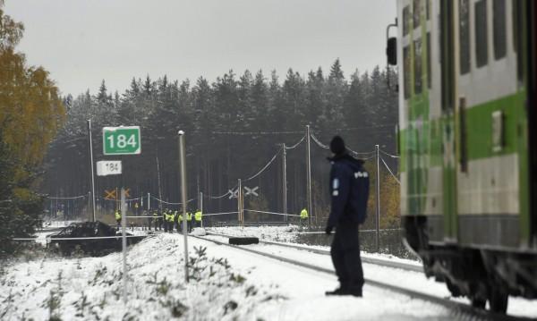 Влак и БТР се удариха във Финландия, има жертви