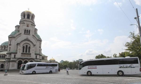 """Решено: Без автобуси около """"Невски"""", отиват на гарата"""