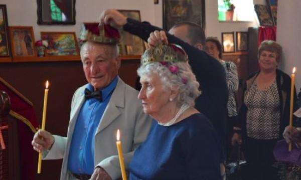 Отново младоженци: Цветана и Тодор – под венчилото след 53 г. брак