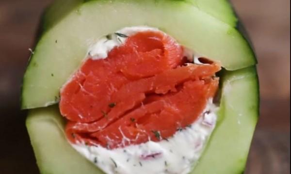 Рецептата Dnes: Пълнена краставица със сьомга