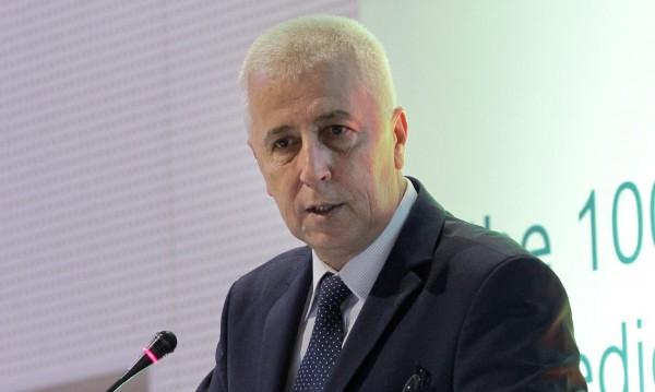 Здравният министър Николай Петров хвърли оставка, Борисов я взе