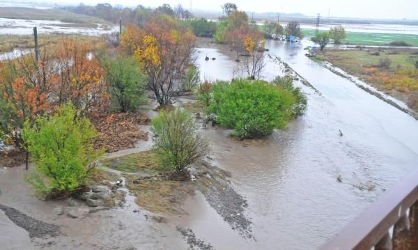 Дезинфекцират в наводнените райони в Община Бургас