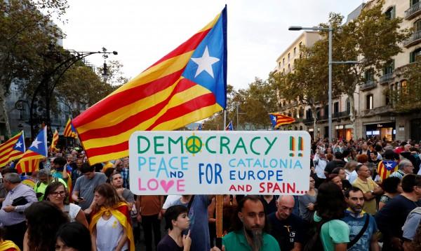 Каталунците, подкрепящи независимостта: Никога не сме се чувствали испанци!