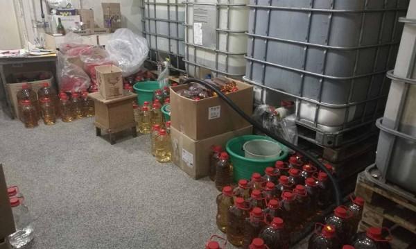 Находка в Пловдивско: 300 000 литра нелегален алкохол