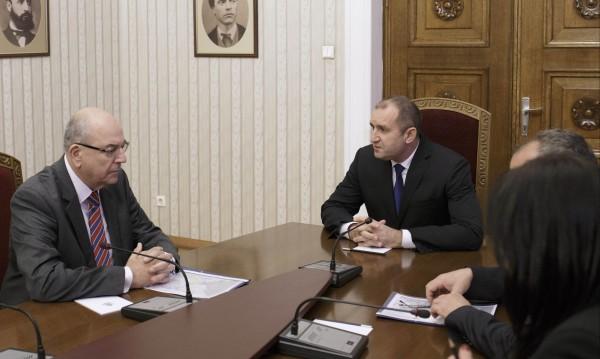 Радев зове за по-голяма подкрепа на БЧК за пострадалите в Бургаско