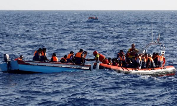 Седем мигранти открити мъртви в морето край Либия