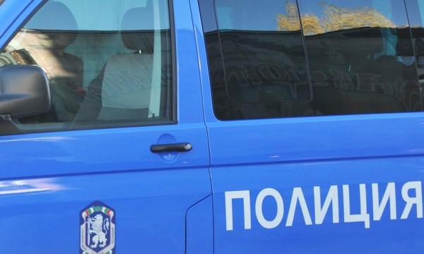 Глобяват бургаски полицай с 1000 лв. за подкуп на пътя