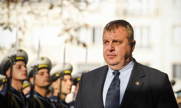 Каракачанов за позицията на Симеонов: Неразположен е!