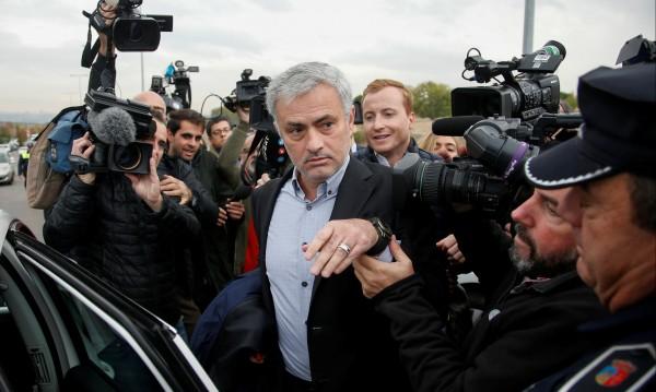 Жозе Моуриньо отряза много грубо фенове на Юнайтед