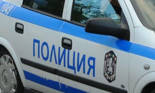 Наркоман намушка в корема с нож момиче в Разград