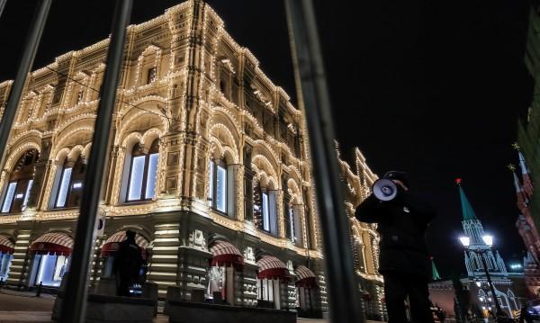 """Евакуираха хиляди от """"Болшой театър"""" поради бомбена заплаха"""