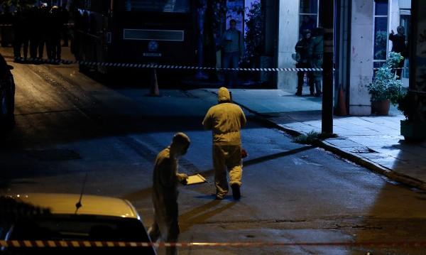 Стреляха срещу централата на партия ПАСОК в Атина