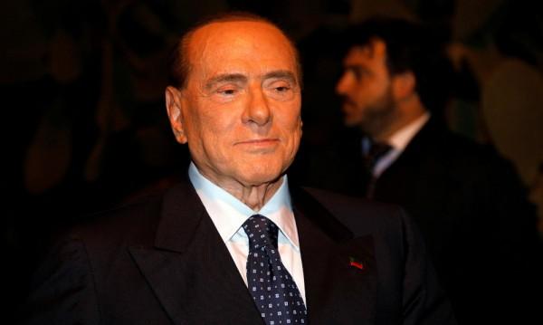 На 81 г. Берлускони отново в центъра на политическата сцена