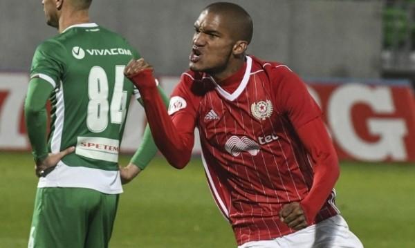Трансферна бомба в ЦСКА: Бенфика вади €7 млн. за Каранга
