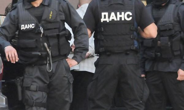 Двама полицаи от Стражица – основни фигури в банда дилъри
