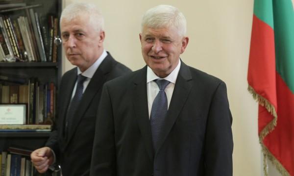 Рокадата в МЗ засегна и зам.-министрите, Борисов назначи нови