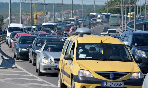 Мръсен въздух: 2 милиона автомобили без катализатори у нас