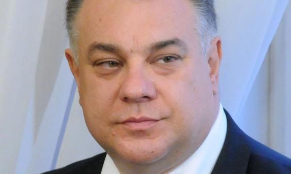 Д-р Ненков: Вярно е, политик и муха се убиват с вестник!