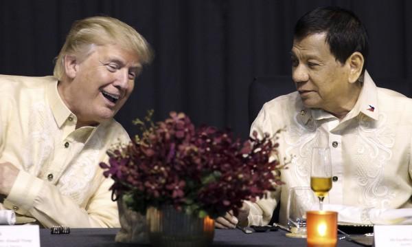 Тръмп и лидери от цяла Азия на галавечеря в Манила