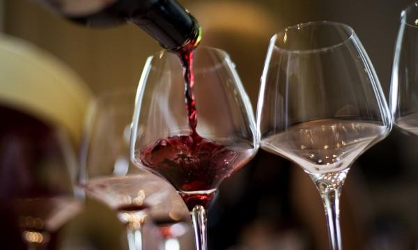 Учени твърдят: Чаша червено вино = тренировка