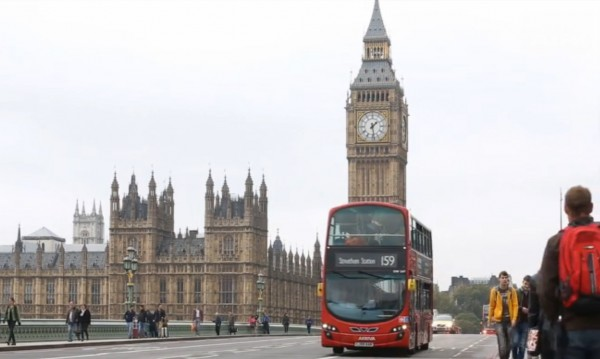 """Лондон обмисля статус """"постоянно пребиваващи граждани"""""""