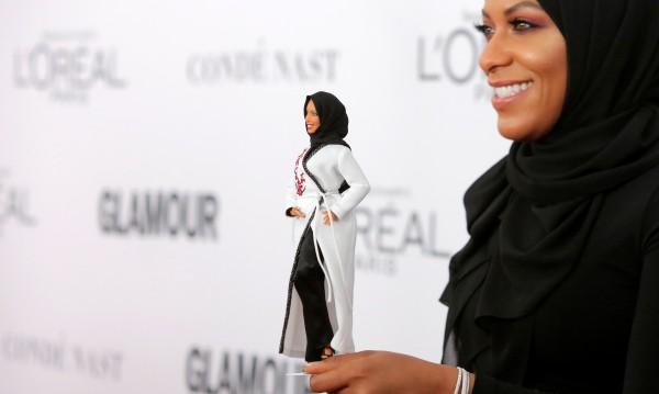 Толерантни времена: Представиха Барби, облечена с хиджаб