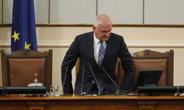 Главчев размисли, намали наказанието на Кутев