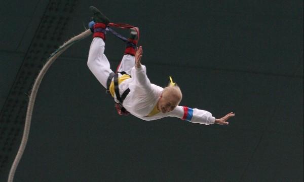 На 83 г. бънджи кралицата Пепи мечтае за скок от кула в Макао: 338 метра!