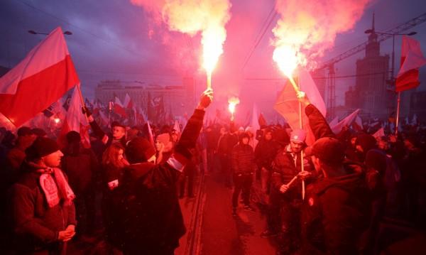 """Беата Шидло разгневена на ЕП, нарекли поляци """"фашисти"""""""