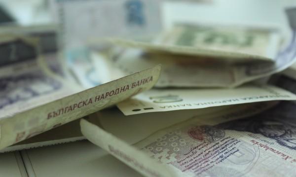 Задържаха участници в ало измами в Попово и Пещера