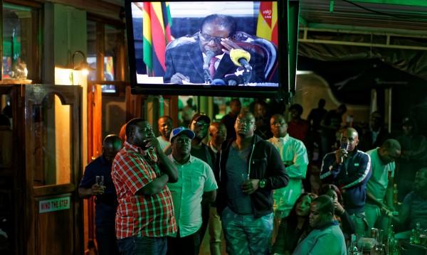 Президентът на Зимбабве се обърна към нацията, но няма оставка