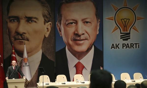Съветник на Ердоган: Да ревизираме отношенията с НАТО!