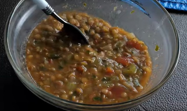 Рецептата Dnes: Пикантна супа от леща по марокански