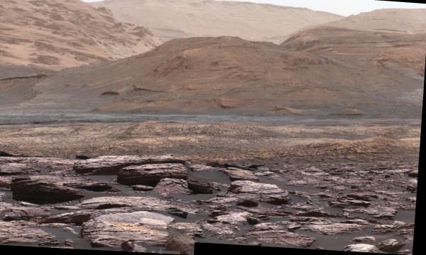 Вода на Марс? А всъщност може би просто движещ се пясък