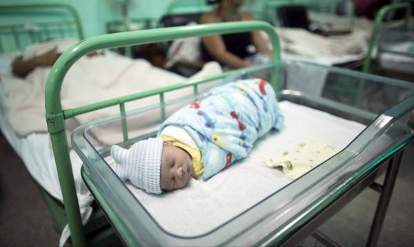 Български бебета се раждат... Но повечето – в чужбина!?