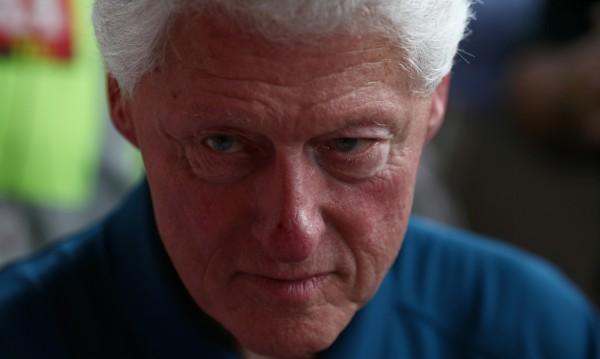 Бил Клинтън отново падна в... секс капана