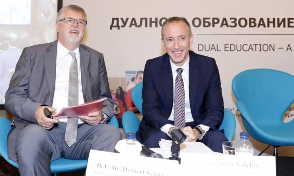 Вълчев: В бъдеще децата ще учат в движение и чрез работа!