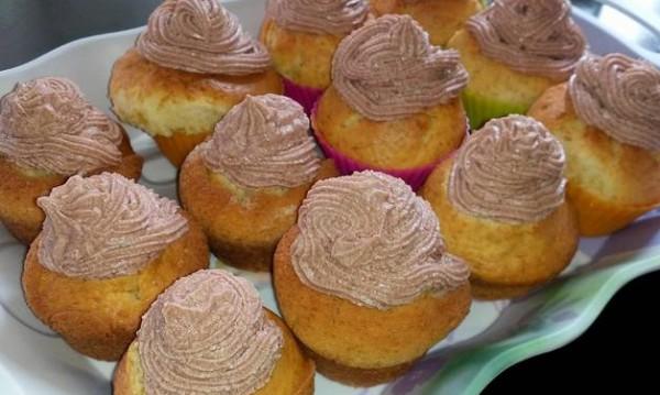 Рецептата Dnes: Кексчета с ванилия и какаова глазура