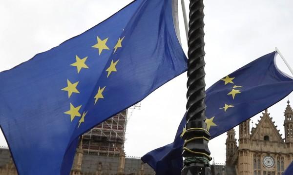 Заради Brexit: Ирландското правителство на ръба