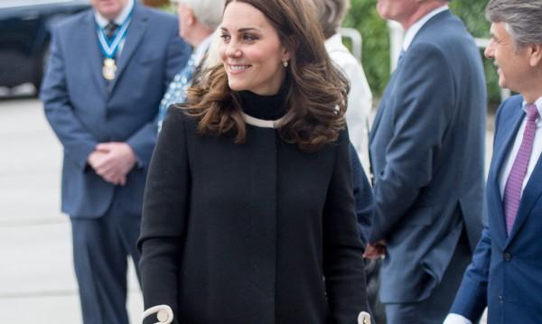Кейт Мидълтън с нова бременност, но със старо сако