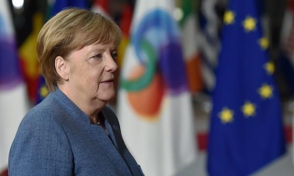 """Партията на Меркел: """"Голяма коалиция"""" със социалдемократите"""