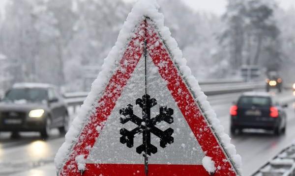 Десетте златни правила за шофиране през зимата