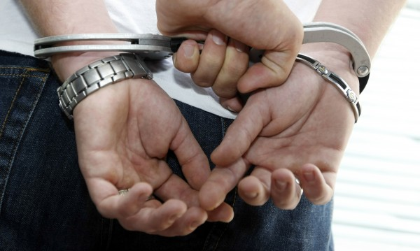 Хванаха 16-годишен, бил и обрал мъж в Дупница