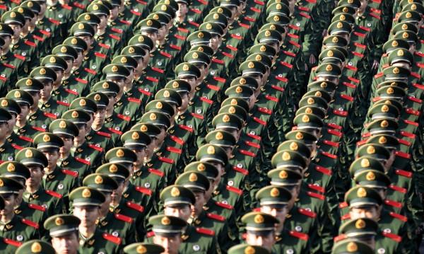 Висш китайски военен, обвинен в корупция, се самоуби
