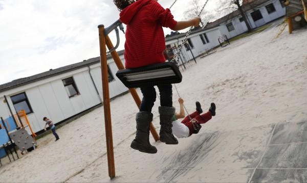 Деца на помощи в Германия: Българите ли товарят системата или бежанците?