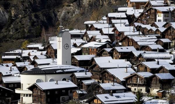 Хиляди поискаха да се заселят в швейцарско селце! Елате, но...