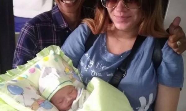 Сред паниката в Бали се роди... българско бебе