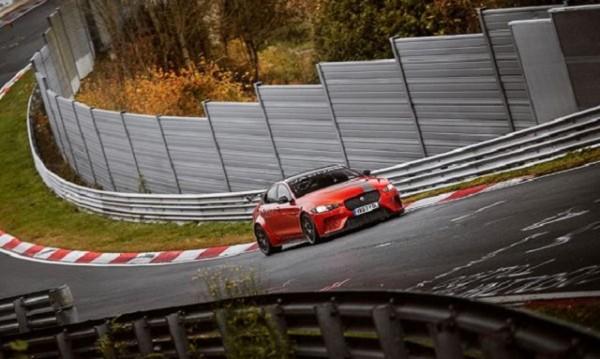 Най-бързият сериен седан на Нюрбургринг – Jaguar XE