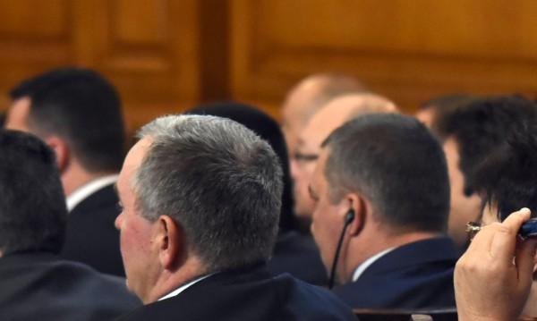 След 18 часа работа: Депутатите продължават с бюджета днес